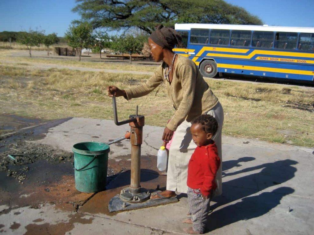 SAN Projekt in Namibia. Wasserpumpe. 2008